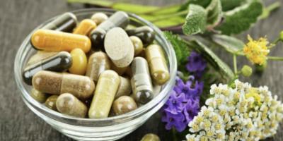 La medicina complementaria y el rechazo de terapias convencionales es una industria multimillonaria